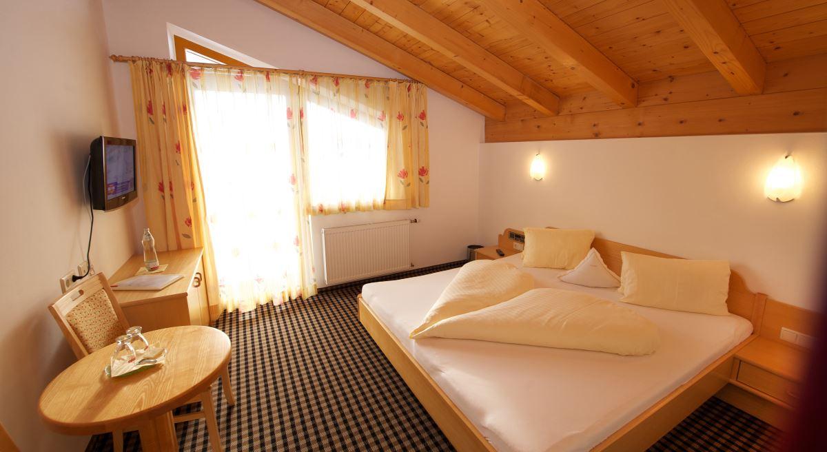 hotelzimmer mit ausblick kuschelige zimmer im hotel tristkogel. Black Bedroom Furniture Sets. Home Design Ideas